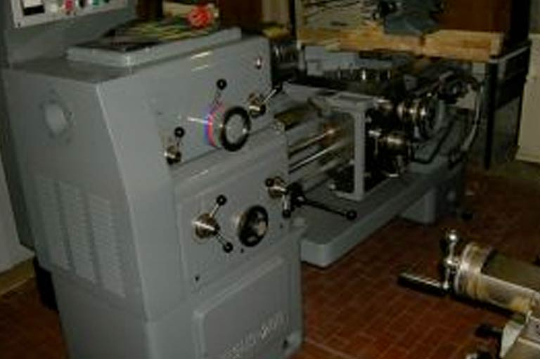 Tornio parallelo CMT 200