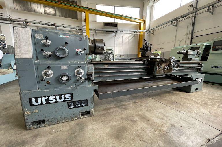 Tornio parallelo CMT URSUS 250 x 2000